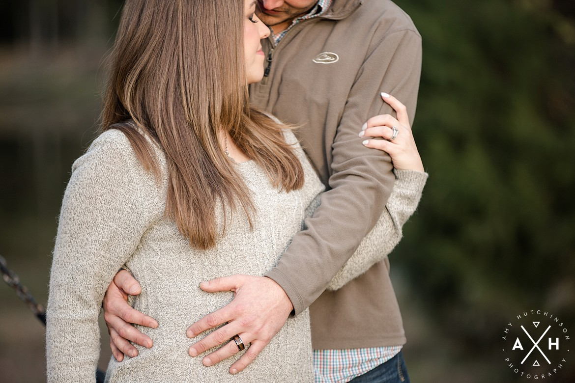Cedar Hill Farm Maternity Session