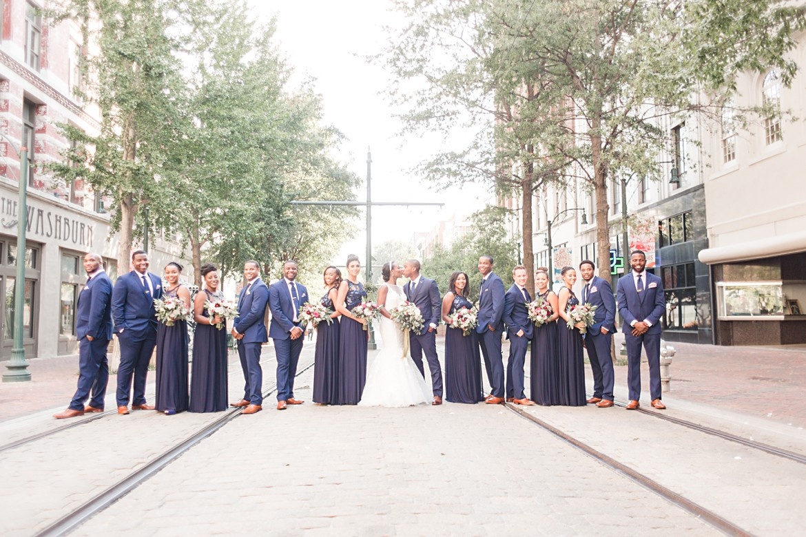 downtown-memphis-columns-wedding_0048