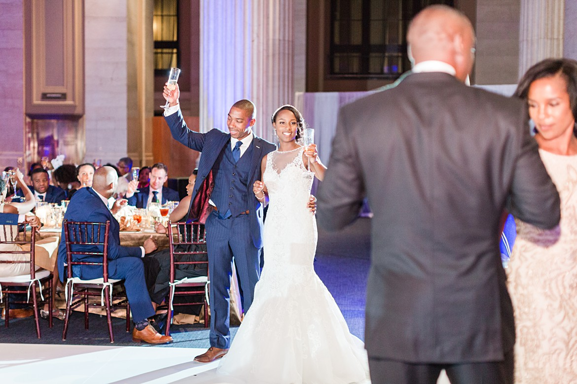 downtown-memphis-columns-wedding_0069