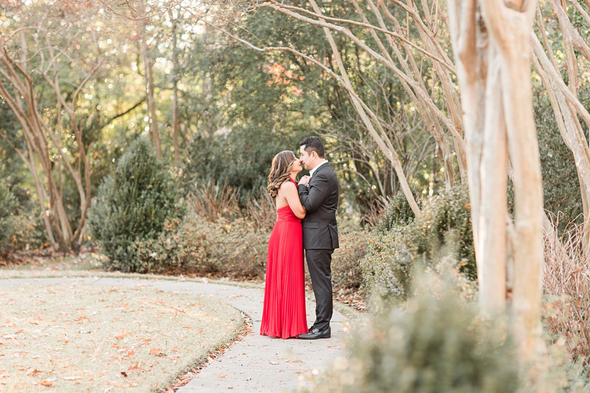 Dressy Annesdale Mansion Memphis Engagement