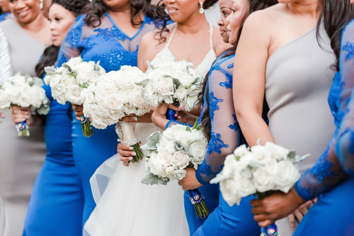 A Glam, Wintery, Family-Centered Memphis Zoo Wedding